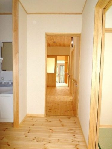 ☆調湿する和紙と、呼吸する塗り壁で仕上た究極の健康住宅?!