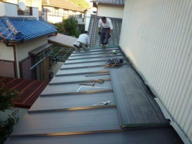 ☆早めの対策、~錆びた屋根からの雨漏りに要注意?!