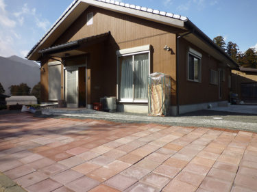 自然素材住宅003:自然素材を大量に使用『木の温もりが溢れる家』
