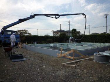 家づくりの流れ・・・基礎工事 ⑤・・・ポンプ車によるコンクリート打ち