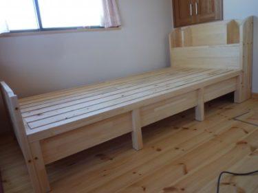 子供室に自然素材の手造り組立ベッドを作ってみました。