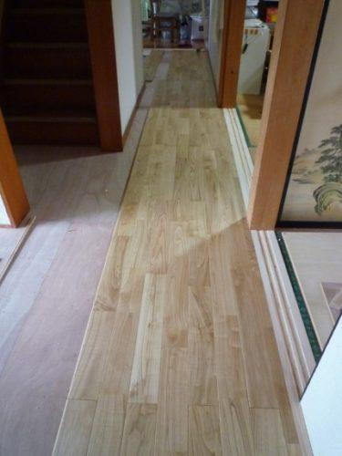 浜松市のA様より2期目の工事、台所の床張りリフォームの依頼。