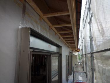 ~2日かけて外部の軒天井下地組みに取り掛かりました。