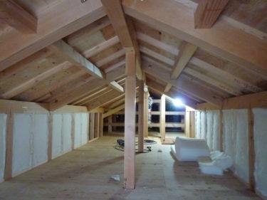 小屋裏収納の壁下地にもサーモウール断熱材‼を入れています。