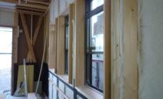 建具枠・窓枠取付中‼だいぶ進んできました...