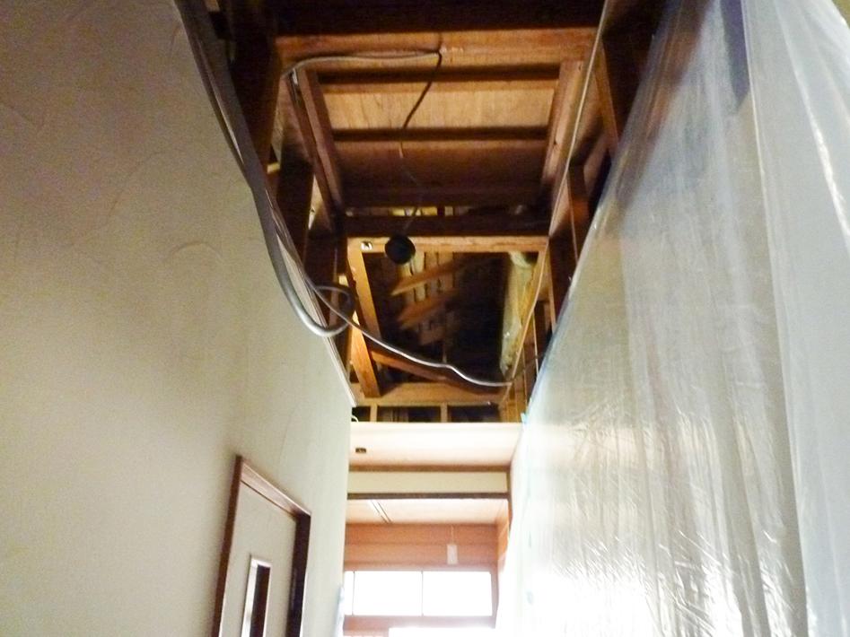 廊下天井張替え