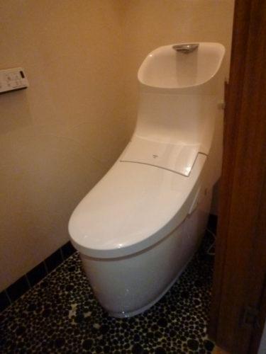 ☆シャワートイレ取替工事依頼。(静岡市葵区産女)