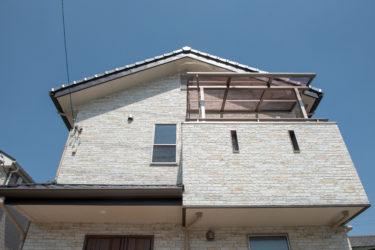 ☆雨漏りリスクが高くなる、軒の出の無い住宅?‼